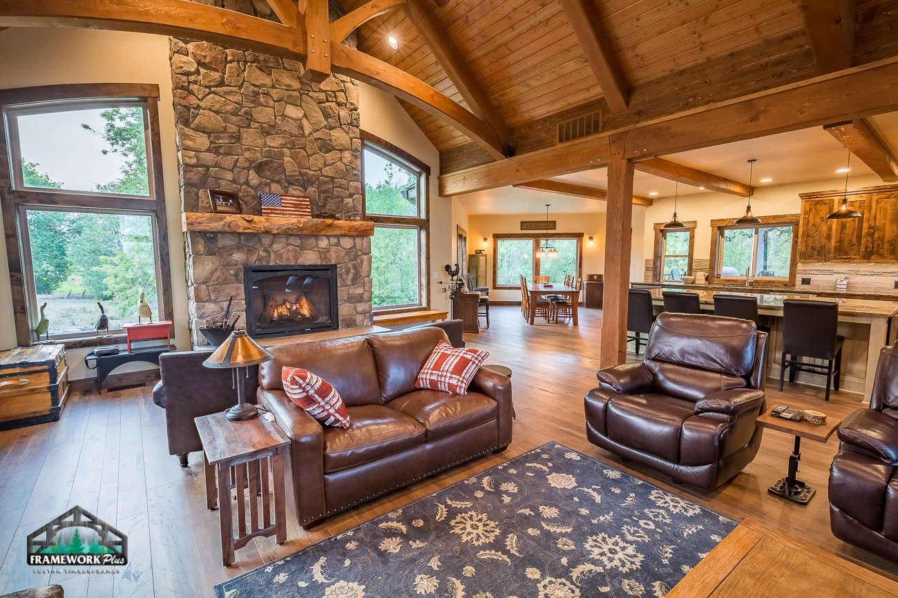 Canby, OR Hybrid House Interior with Mantel